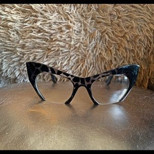 Black Clear Cat-Eyed Leopard Glasses
